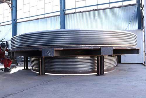 Comflex big-diameter-compensator