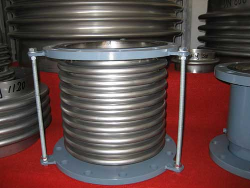 Comflex metallic expansion joint